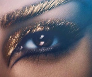 gold, kim kardashian, and eye image