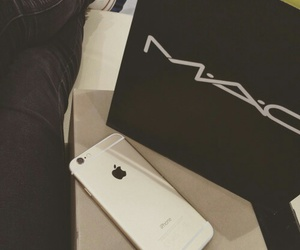 mac and iphone image