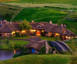 new zealand, hobbit, and house image