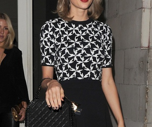 celebrities, singer, and taylor image
