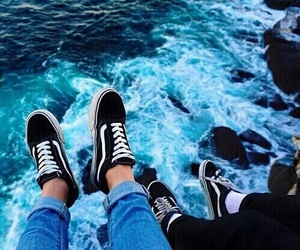 beach, friends, and vans image