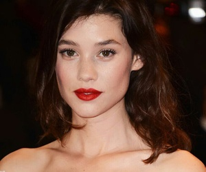 bae, astrid berges frisbey, and beauty queen image