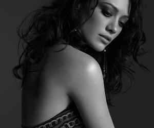 Hilary Duff and photoshoot image
