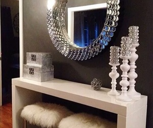 home and mirror image