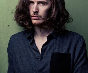 model and hozier image