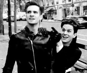 brendon urie, dallon weekes, and ❤ image