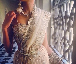 bollywood, pretty, and saree image