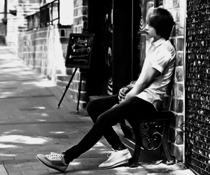 black and white, boy, and ulzzang boy image