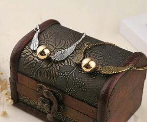 box, bracelet, and jewelry image