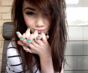 girl, cute, and nail vanish image