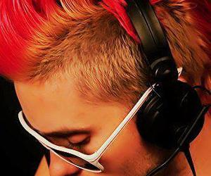jared leto, 30 seconds to mars, and Mohawk image