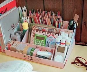 desk and diy image