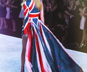 beauty, vs fashion show, and Taylor Swift image