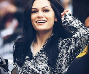 jessie j, heartbeat, and singer image