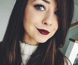 zoella, zoe sugg, and youtuber image