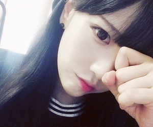 ulzzang, girl, and pale image