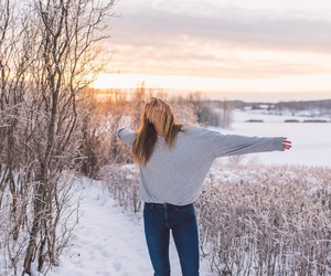 fashion, snow, and janni deler image