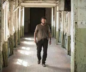 rick grimes, andrew lincoln, and the walking dead image