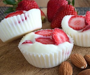 food, strawberry, and sweet image
