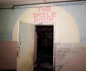 smile, grunge, and room image