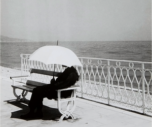 umbrella, vintage, and black and white image