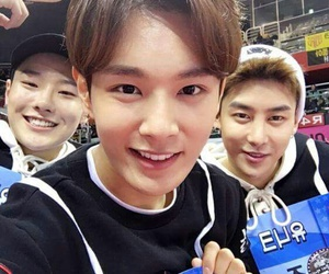 chinese, handsome, and idol image