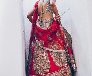 india, dress, and red image