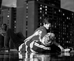 niall horan, louis tomlinson, and perfect image