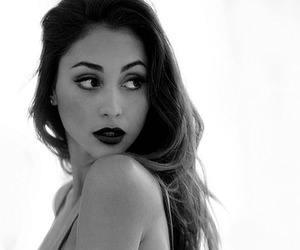 beauty, the 100, and lindsey morgan image
