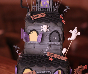 cake, Halloween, and haunted house image