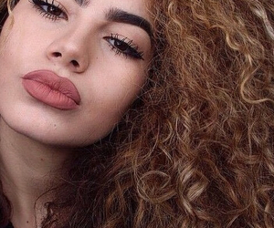beauty, Chica, and curly hair image