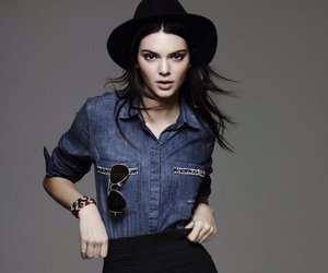 Kendall, phone, and jenner image