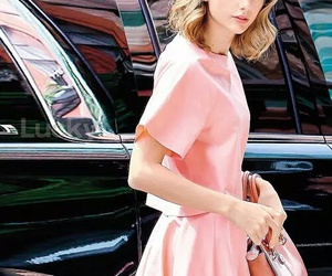 Taylor Swift and pink image