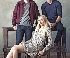 nick robinson, alex roe, and the 5th wave image