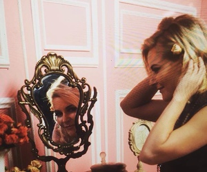 diva, wwe, and renee young image
