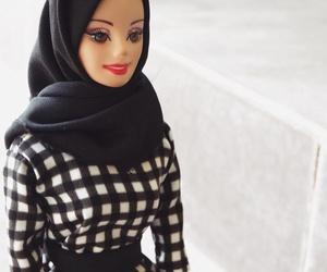 gold, makeup, and hijab image