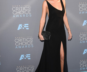 rosie huntington whiteley and critics choice awards image