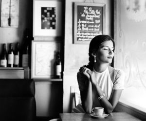 black and white, cafe, and woman image