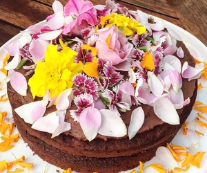 cake, flowers, and yummy image
