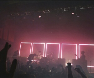 pink, grunge, and the 1975 image