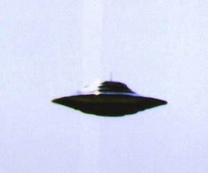 alien, ufo, and Ovni image