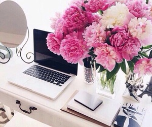 flowers and mac image