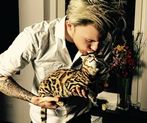 cat, Dexter, and kiss image