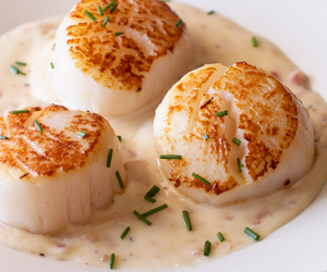 bacon and scallop image