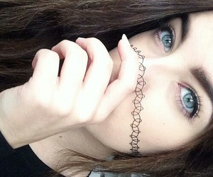 girl, grunge, and eyes image