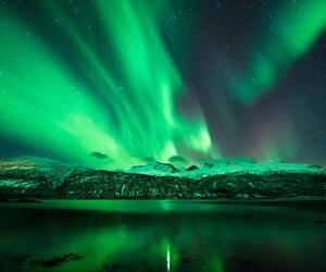 green and aurora borealis image