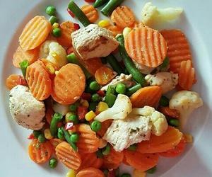 broccoli, carrot, and food image