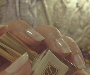 nails, سبحان الله, and راقي image