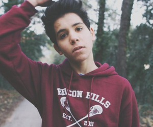 sulivan gwed, un panda moqueur, and youtube image