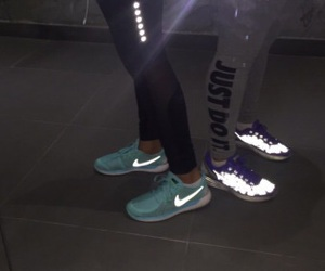 'shoes', 'style', and 'nike' image